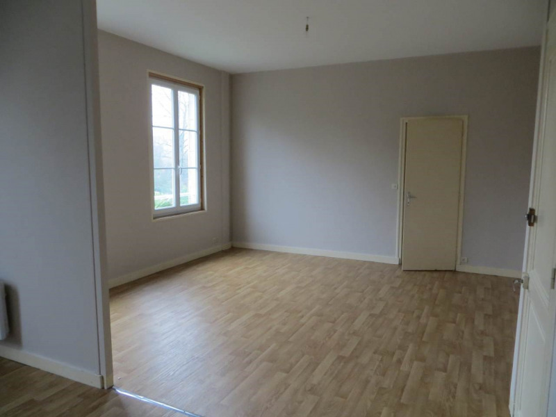 Location appartement Cognac 359€ CC - Photo 2
