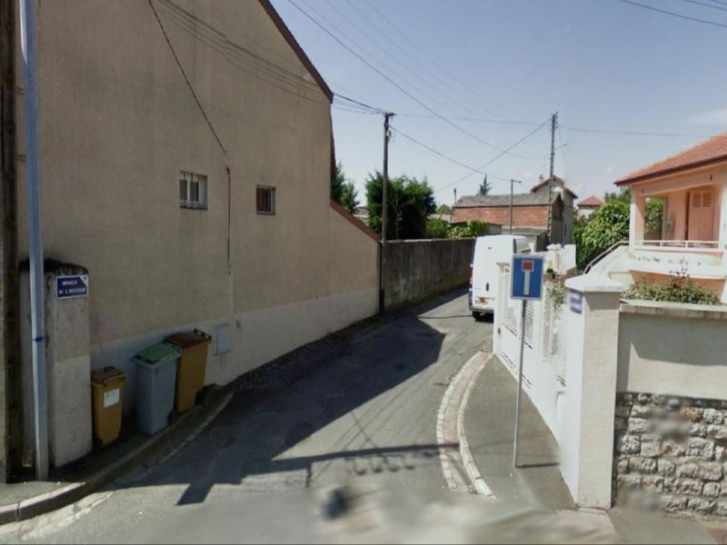 location parking villefranche sur saone 10 m 50 euros oralia boffy pondevaux. Black Bedroom Furniture Sets. Home Design Ideas