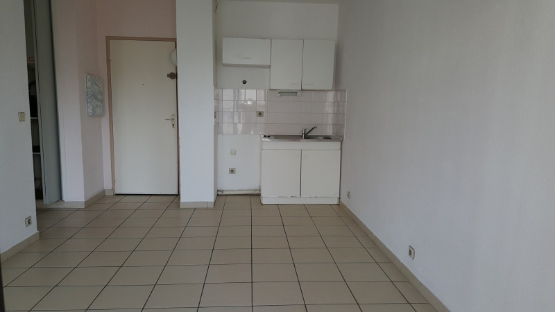 Location appartement Fréjus 550€ CC - Photo 2