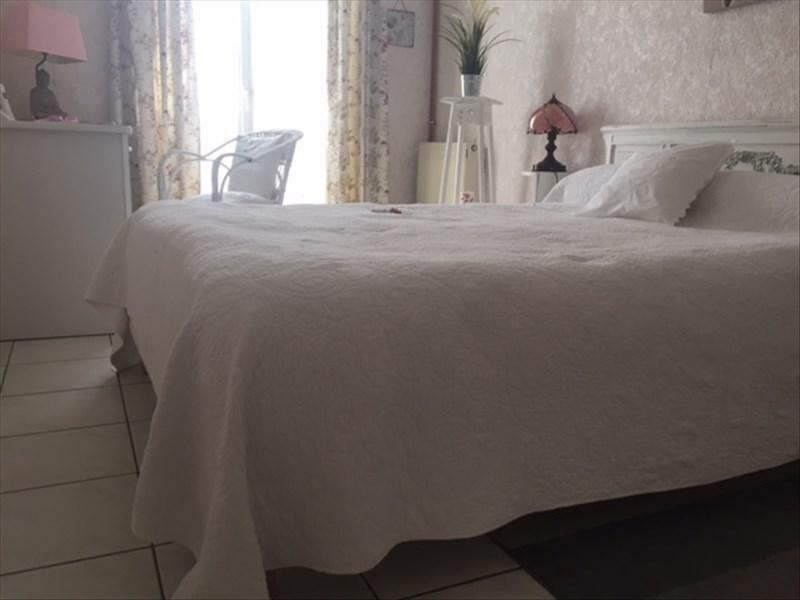 Vente maison / villa St andre de cubzac 349000€ - Photo 7