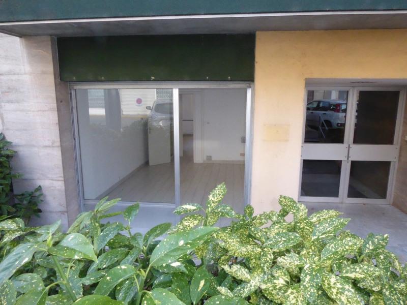 Location boutique Aubenas 590€ CC - Photo 1