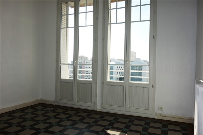 Location appartement Toulon 690€ CC - Photo 2