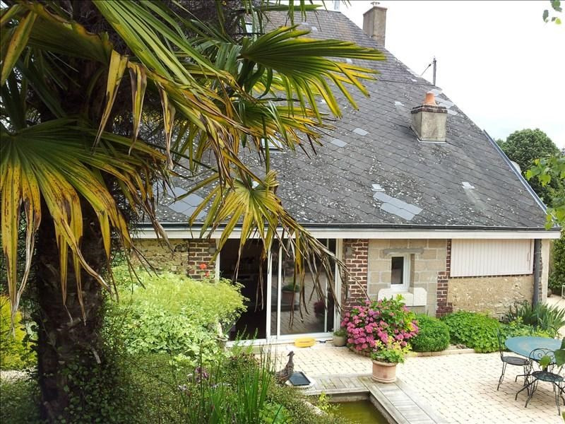 Location maison / villa Aze 750€ CC - Photo 1