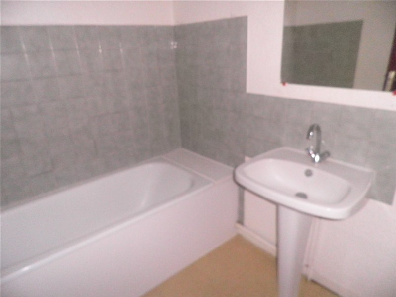 Location appartement Le puy en velay 411,79€ CC - Photo 4