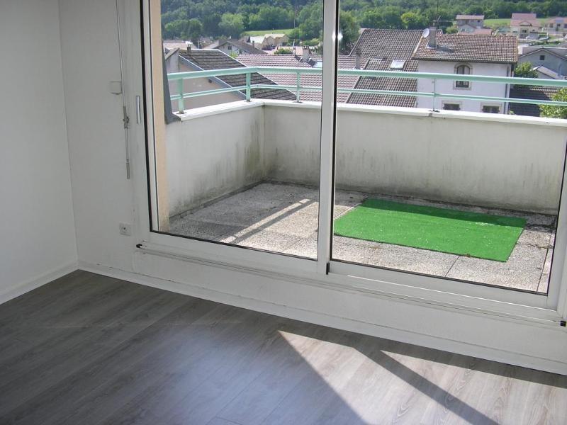 Rental apartment Bellignat 424€ CC - Picture 2