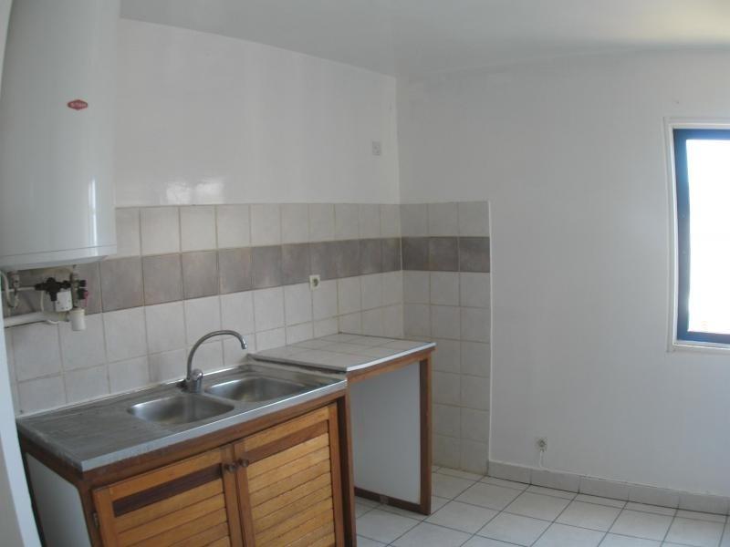 Rental apartment St denis 503€ CC - Picture 1