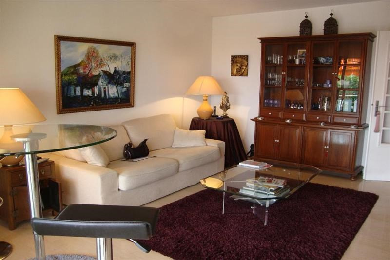 Vacation rental apartment Antibes  - Picture 2