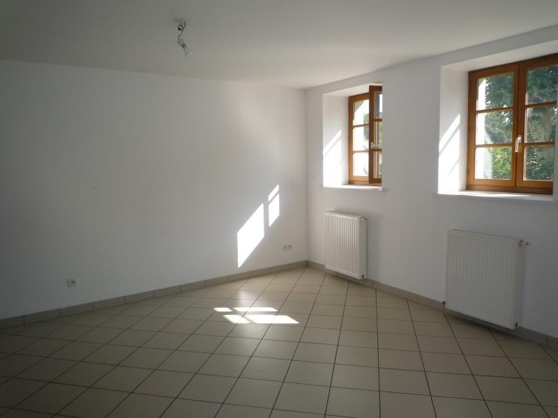 Location appartement Cremieu 750€ CC - Photo 2