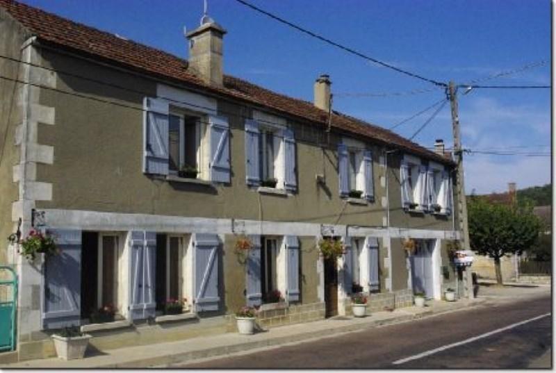 Sale house / villa Chablis 69000€ - Picture 1