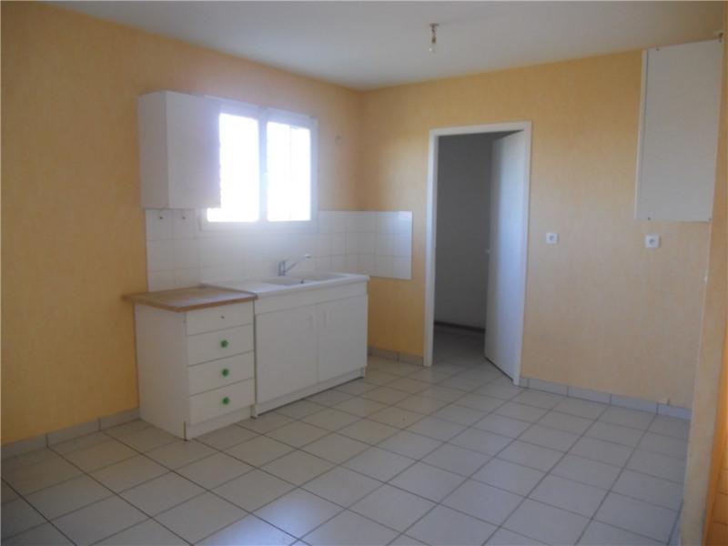 Rental apartment Saint-andre-de-cubzac 584€ CC - Picture 2