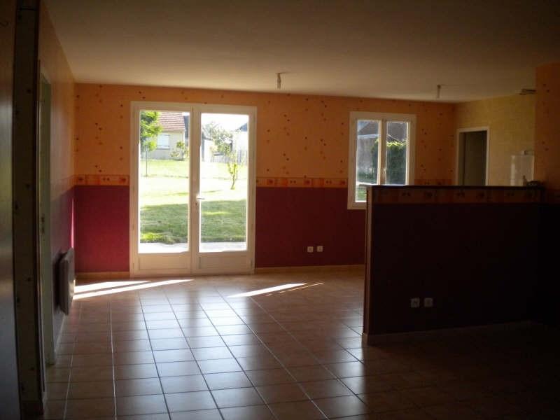 Location maison / villa Huisseau en beauce 654€ CC - Photo 3