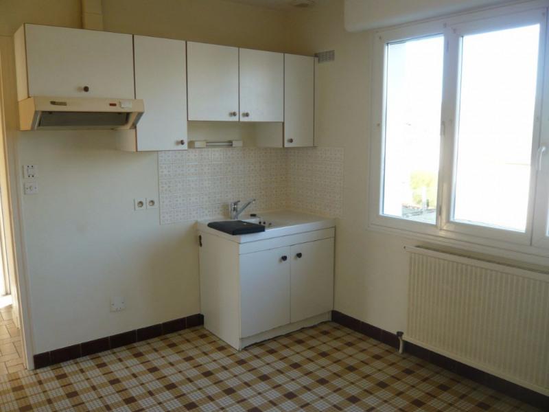 Rental house / villa Bonchamp les laval 758€ CC - Picture 3