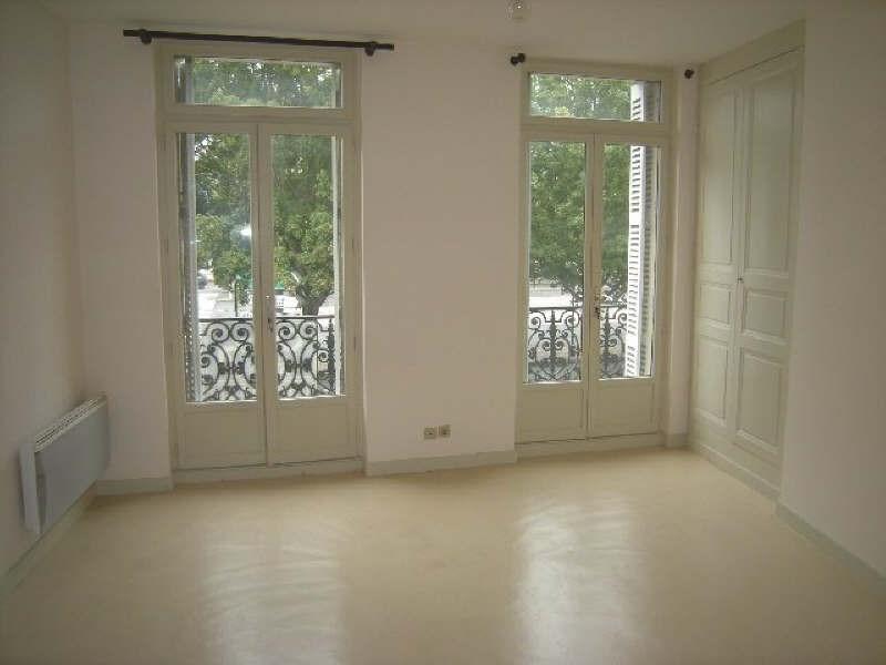 Location appartement Chatellerault 438€ CC - Photo 1