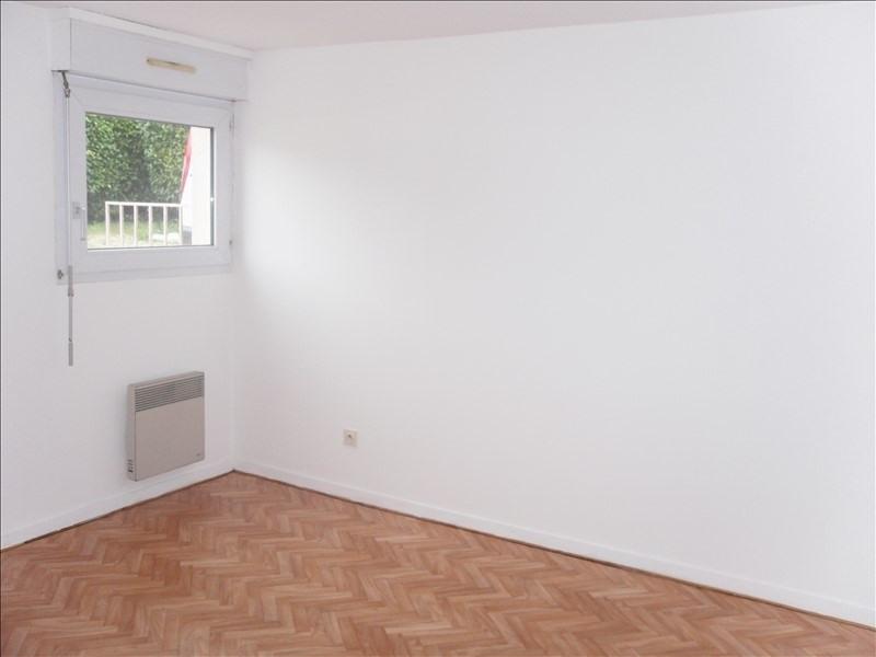 Rental apartment Tremeven 325€ CC - Picture 4