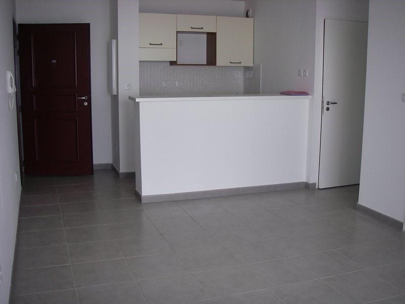 Location appartement Sainte-clotilde 600€ CC - Photo 3