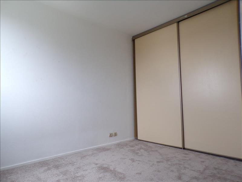 Locação apartamento Montigny le bretonneux 950€ CC - Fotografia 6