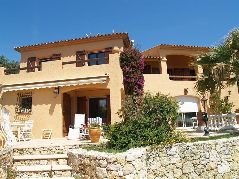 Sale house / villa Les issambres 988000€ - Picture 1