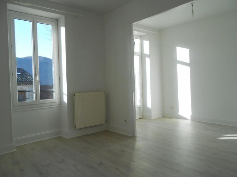 Location appartement Saint-laurent-du-pape 690€ CC - Photo 3