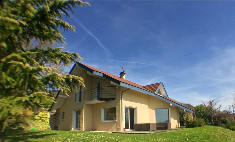 Deluxe sale house / villa Lucinges 720000€ - Picture 1