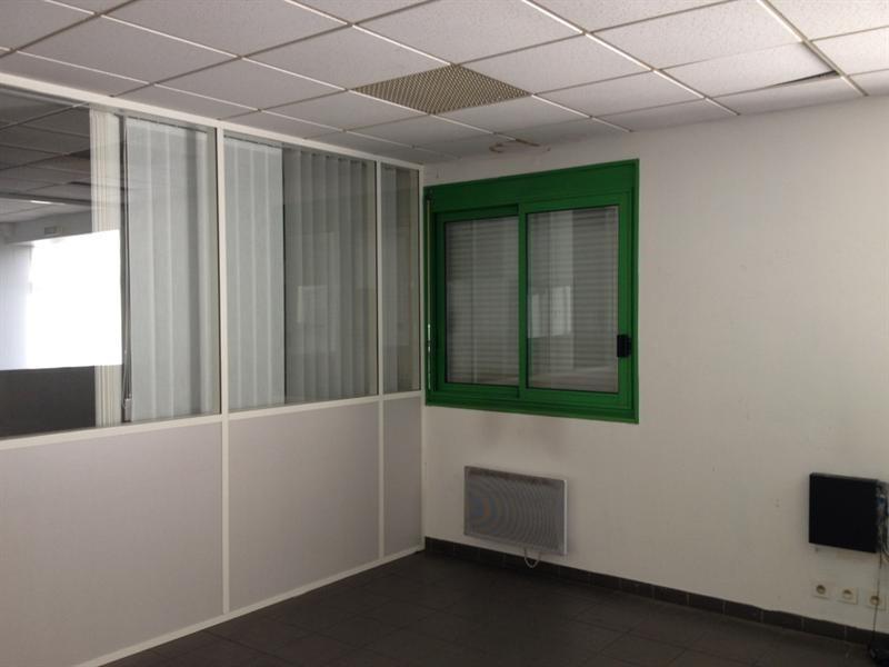 Location Local d'activités / Entrepôt Oudalle 0