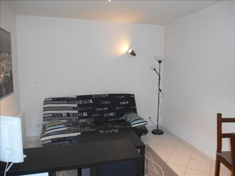 Rental apartment St julien les villas 320€ CC - Picture 3