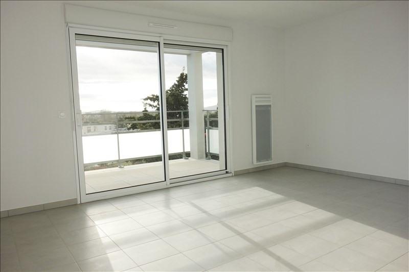 Rental apartment Londe les maures 903€ CC - Picture 1