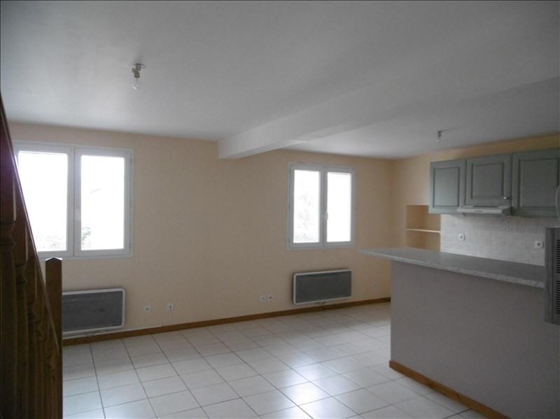 Rental apartment St martin de bavel 520€ CC - Picture 2
