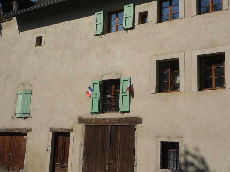 Location appartement Cremieu 750€ CC - Photo 9