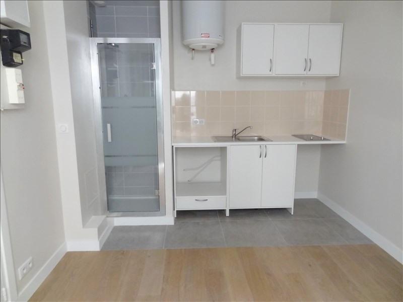 Rental apartment Levallois perret 550€ CC - Picture 2