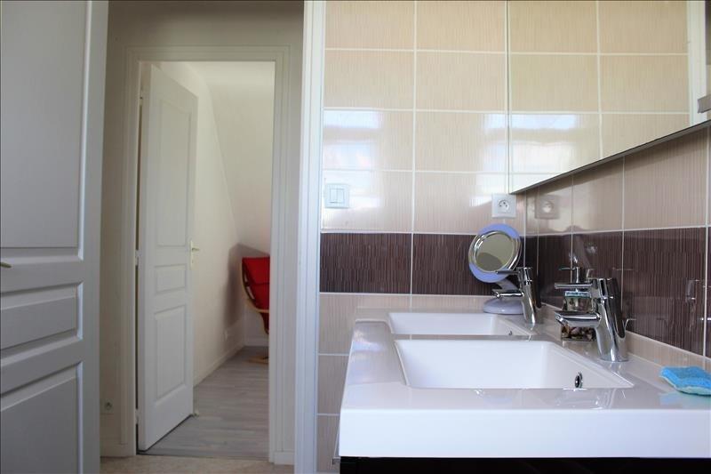 Sale house / villa Pouldreuzic 258940€ - Picture 2
