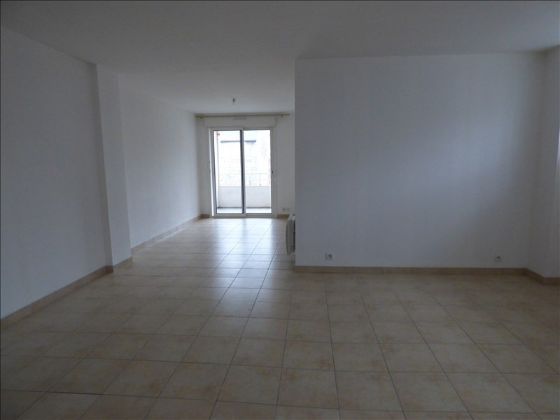 Location appartement Begard 420€ CC - Photo 1