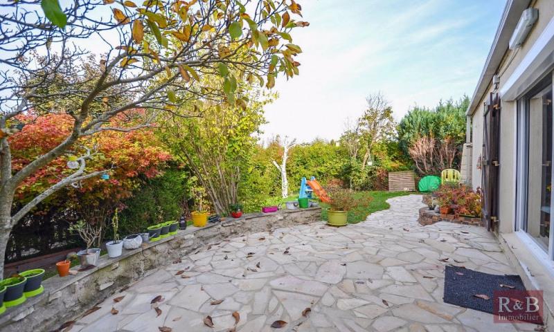 Sale house / villa Les clayes sous bois 360000€ - Picture 1