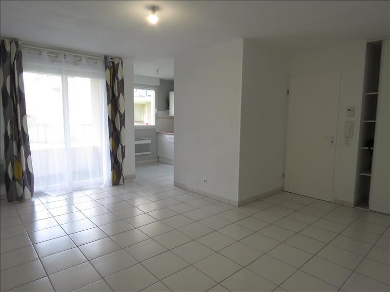 Sale apartment St lys 88000€ - Picture 2