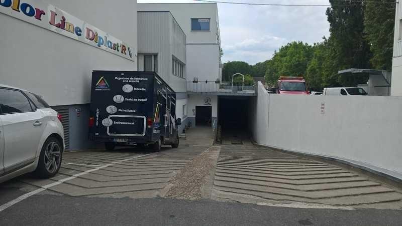 Location Local d'activités / Entrepôt Clamart 0