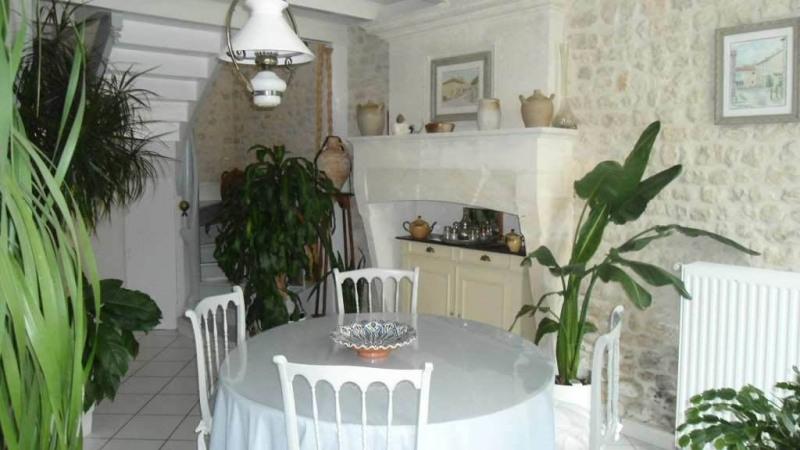 Sale house / villa Juillac-le-coq 243500€ - Picture 6