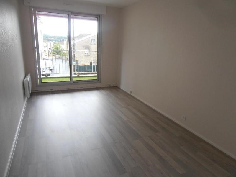 Rental apartment Oyonnax 517€ CC - Picture 3