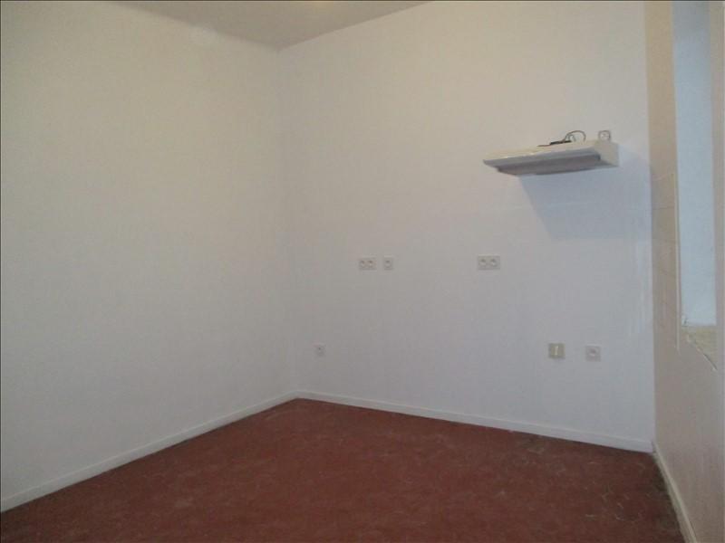 Rental apartment Grans 660€ CC - Picture 2