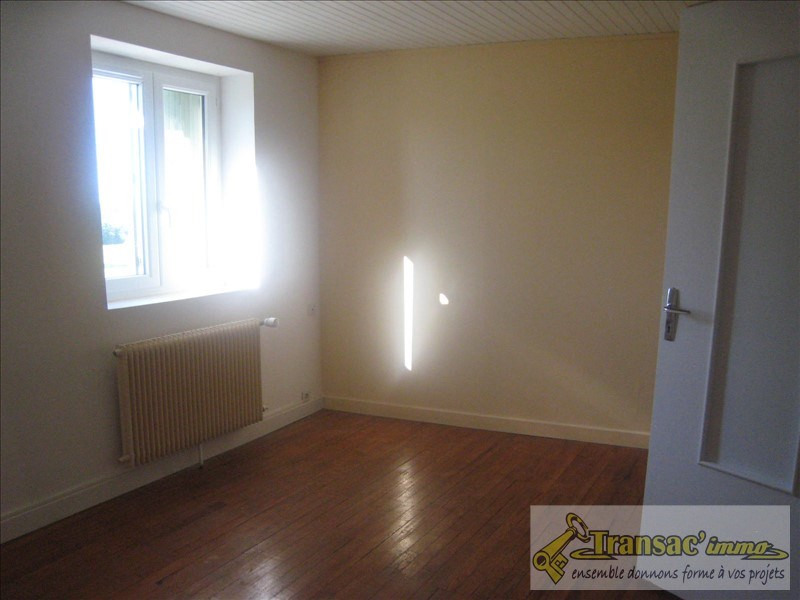 Sale house / villa Puy guillaume 76 300€ - Picture 3