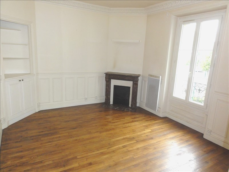 Rental apartment Colombes 787€ CC - Picture 1
