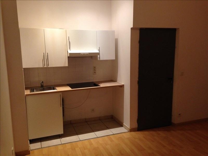 Rental apartment Salon de provence 350€ CC - Picture 2