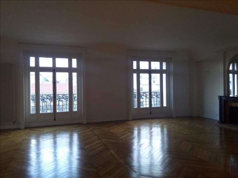 Rental apartment Paris 17ème 5 061€ CC - Picture 2