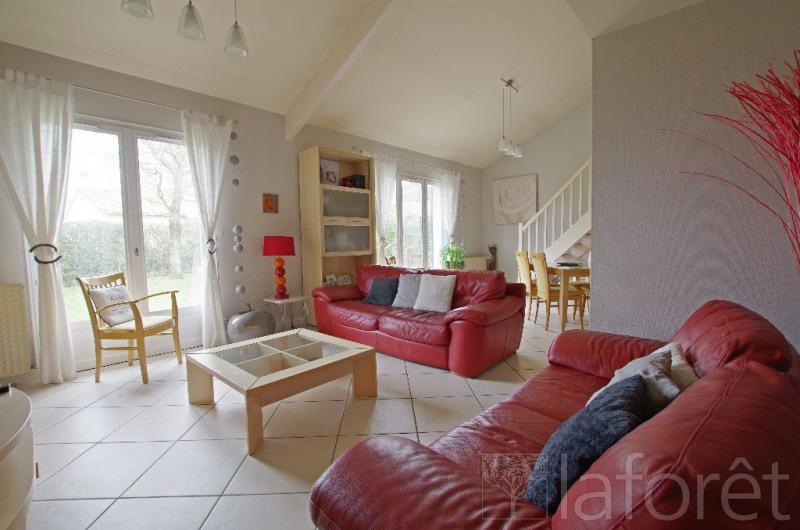 Sale house / villa Cholet 234000€ - Picture 1
