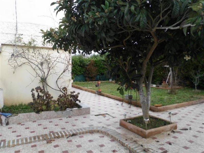 Sale house / villa Meyzieu 220000€ - Picture 1