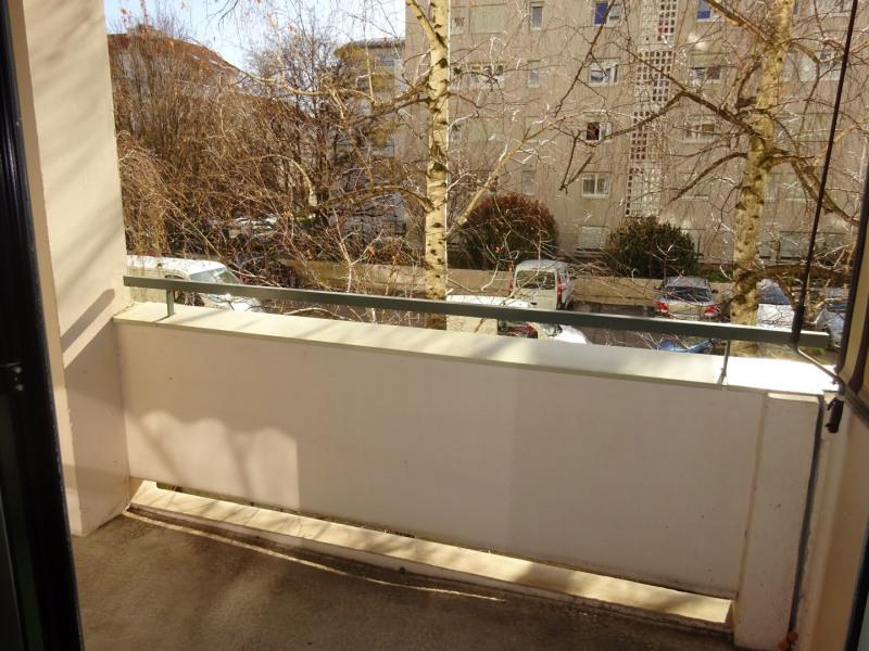 Alquiler  apartamento Lyon 7ème 860€ CC - Fotografía 2