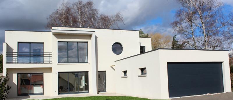 """Modèle de maison  """"Maison d'architecte contemporaine à partir de 180 000 €"""" à partir de 4 pièces Val-d'Oise par VALENTE CONSTRUCTION"""