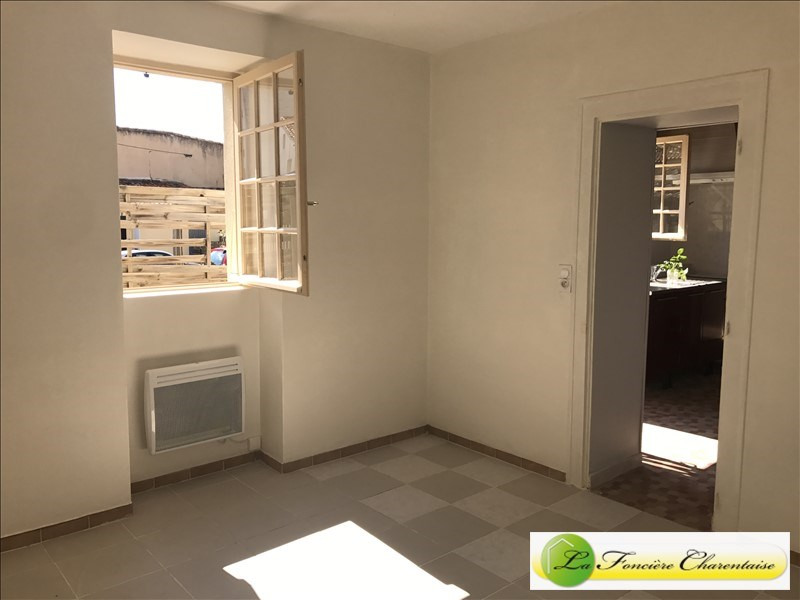 Location appartement Angouleme 425€ CC - Photo 3