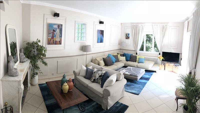 Sale house / villa Orgeval 700000€ - Picture 1