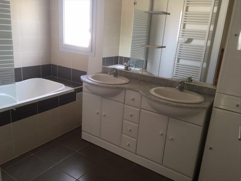 Rental house / villa St medard en jalles 1041€ CC - Picture 5