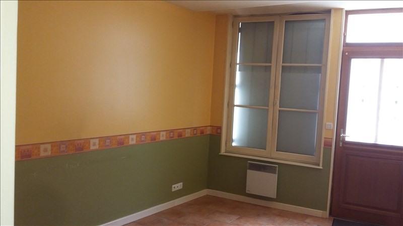 Rental apartment Chateau renault 320€ CC - Picture 4