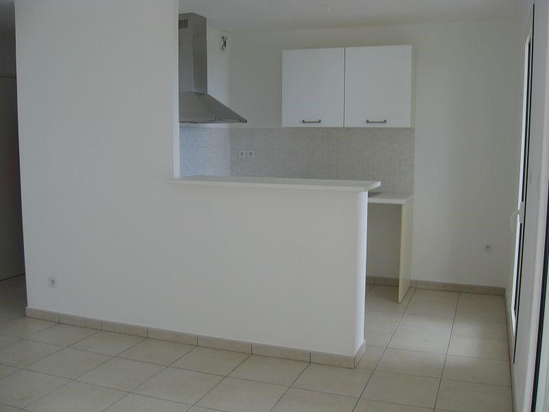 Location appartement Ste clotilde 700€ CC - Photo 4